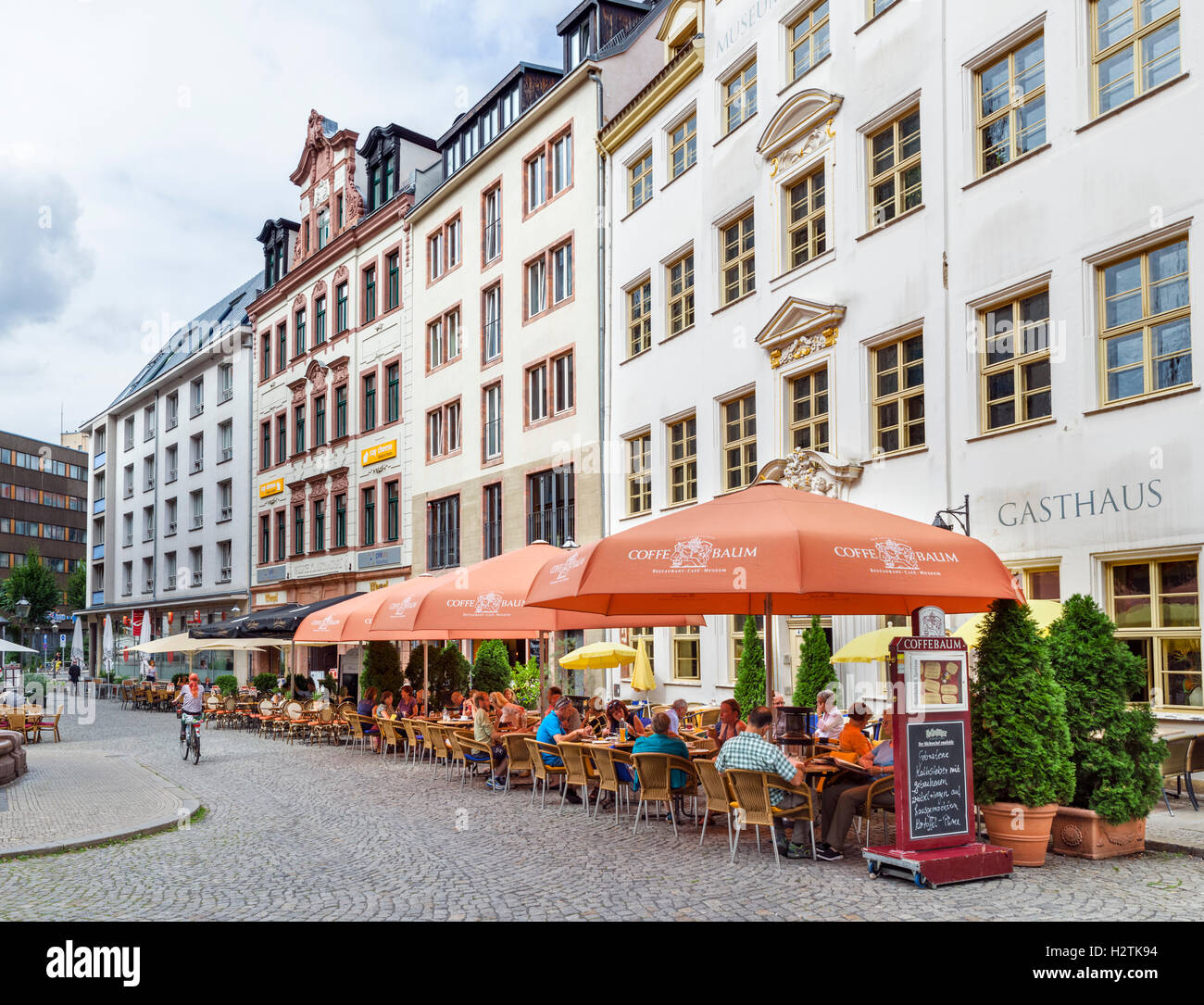restaurant zum see stock photos restaurant zum see stock images alamy. Black Bedroom Furniture Sets. Home Design Ideas