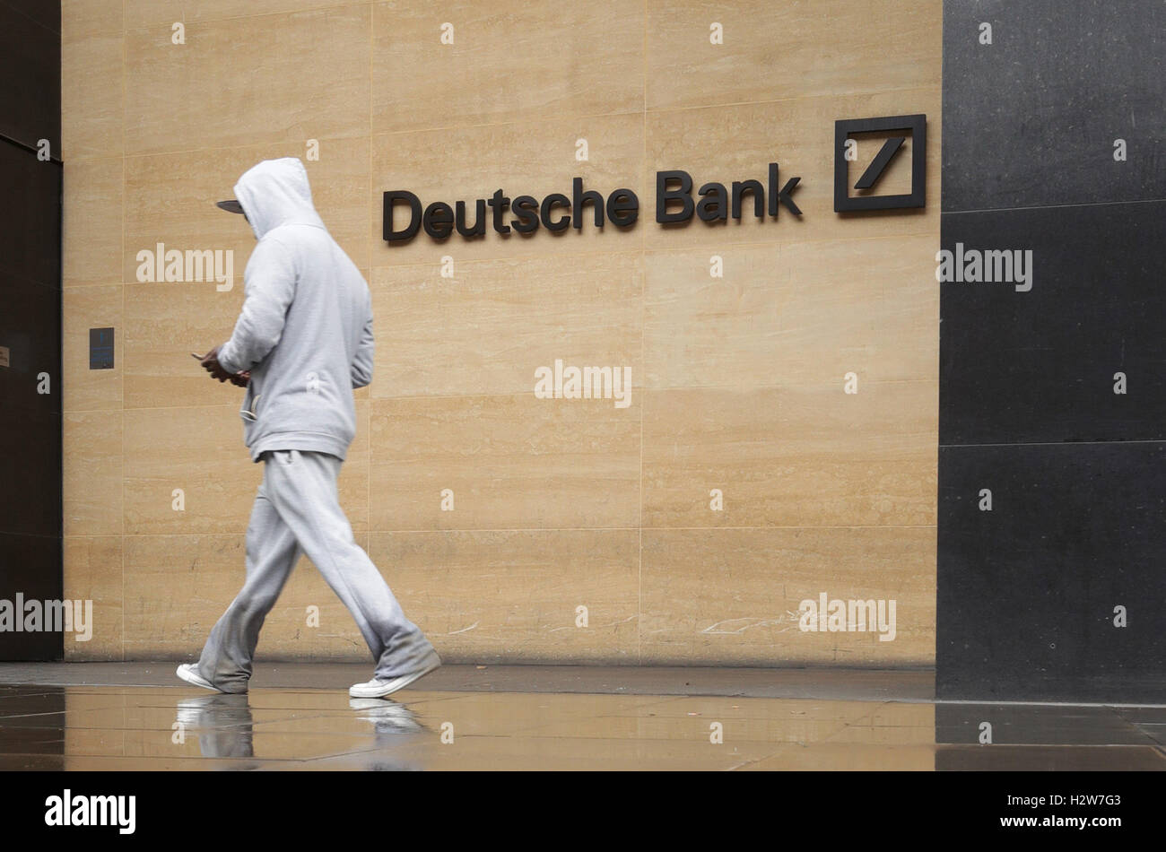The Head Office of Deutsche Bank on Great Winchester St, London. The German lender's shares had slipped to 9.98 - Stock Image
