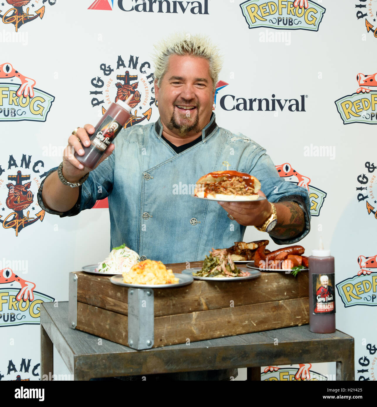 Guy Fieri Stock Photos & Guy Fieri Stock Images - Page 3 - Alamy