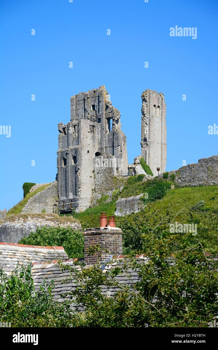 View of Corfe castle on the hilltop, Corfe, Dorset, England, UK, Western Europe. - Stock Image