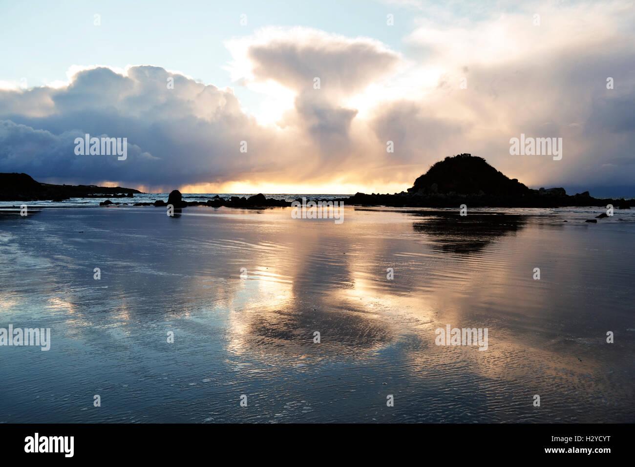 Sunset at Monkey Island, South New Zealand - Stock Image