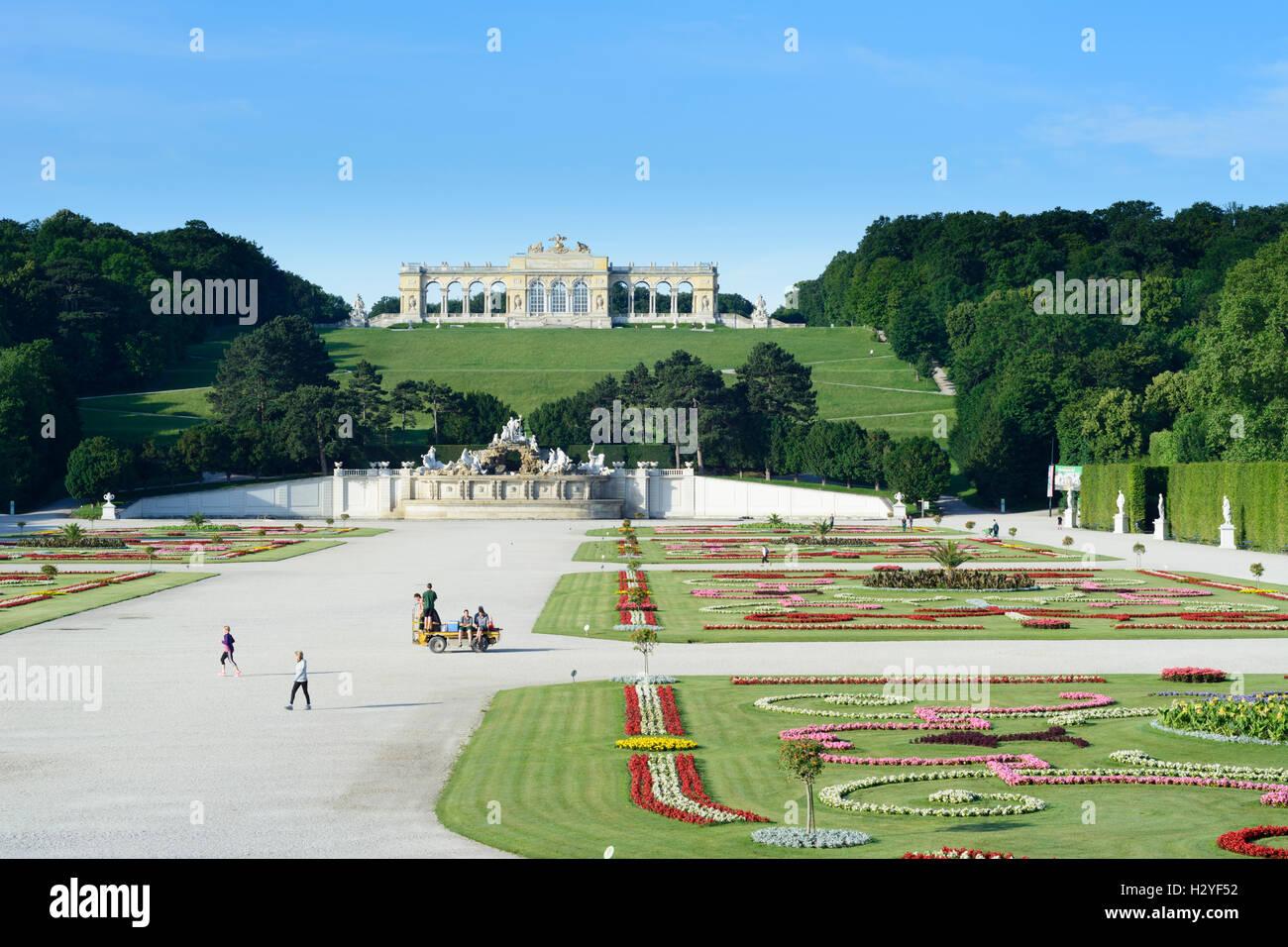 Wien, Vienna: Gloriette in Schlosspark (palace park) Schönbrunn, 13., Wien, Austria - Stock Image