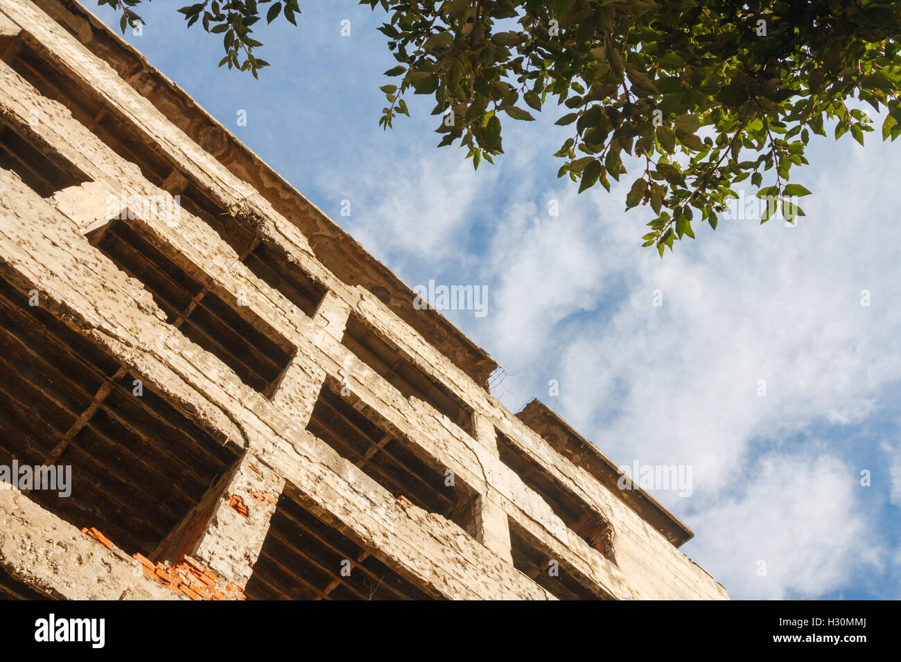 Destroyed building at the former front line of the war on Mostar. Mostar, Bosnia-Herzegovina - Stock Image