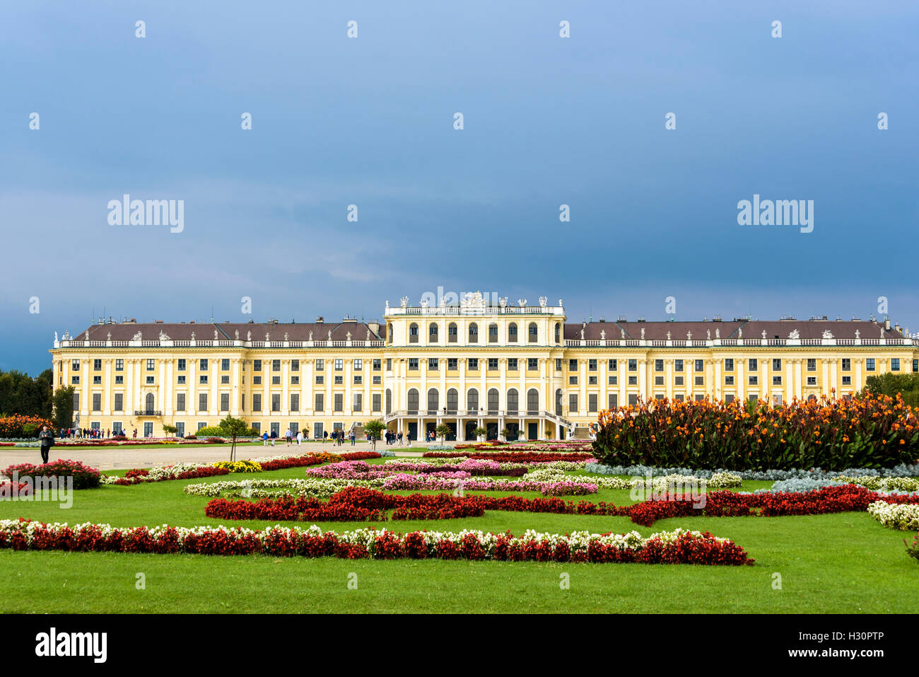 The gardens of Schonbrunn palace . - Stock Image