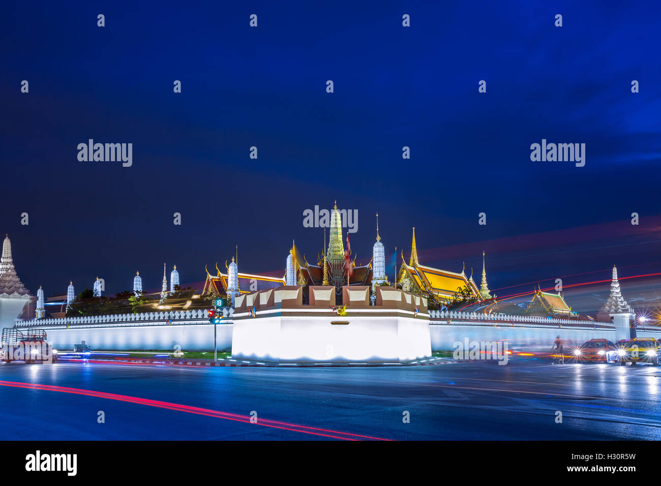 Grand Palace at dusk, Bangkok, Thailand - Stock Image