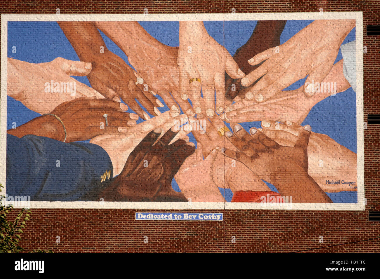 Lynchburg, Virginia, USA. Wall mural commissioned as a tribute to the late Rev. Bev Cosby, a local minister/social activist. Stock Photo