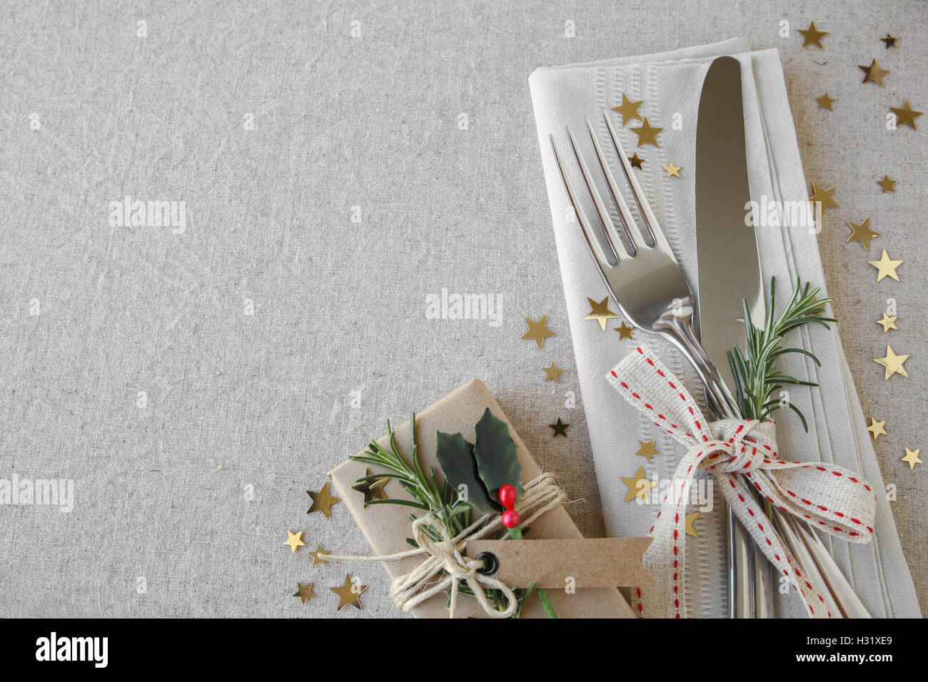 christmas dinner table place setting  holidays copy space