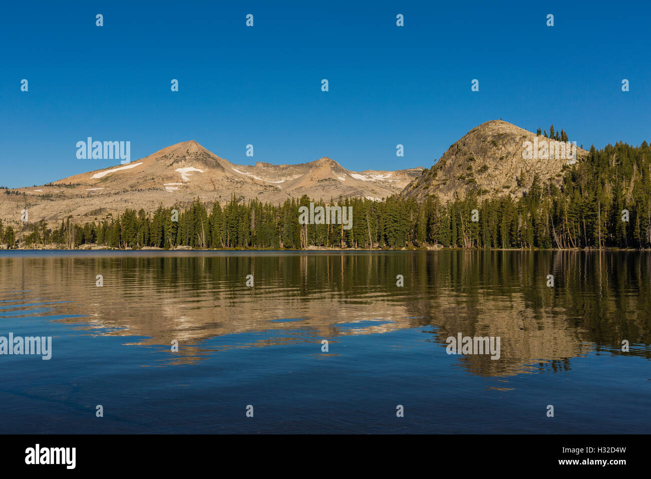 Pyramid Peak viewed from Lake of the Woods in the Desolation Wilderness, Eldorado National Forest, California, USA - Stock Image