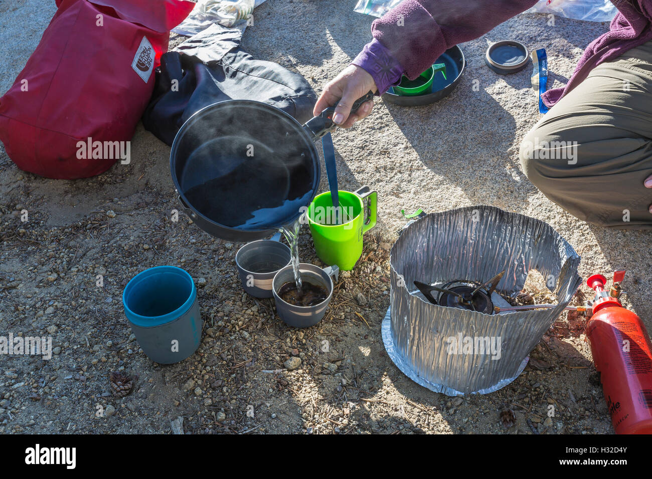 Backpacking breakfast at Lake of the Woods in the Desolation Wilderness, Eldorado National Forest, Sierra Nevada, - Stock Image