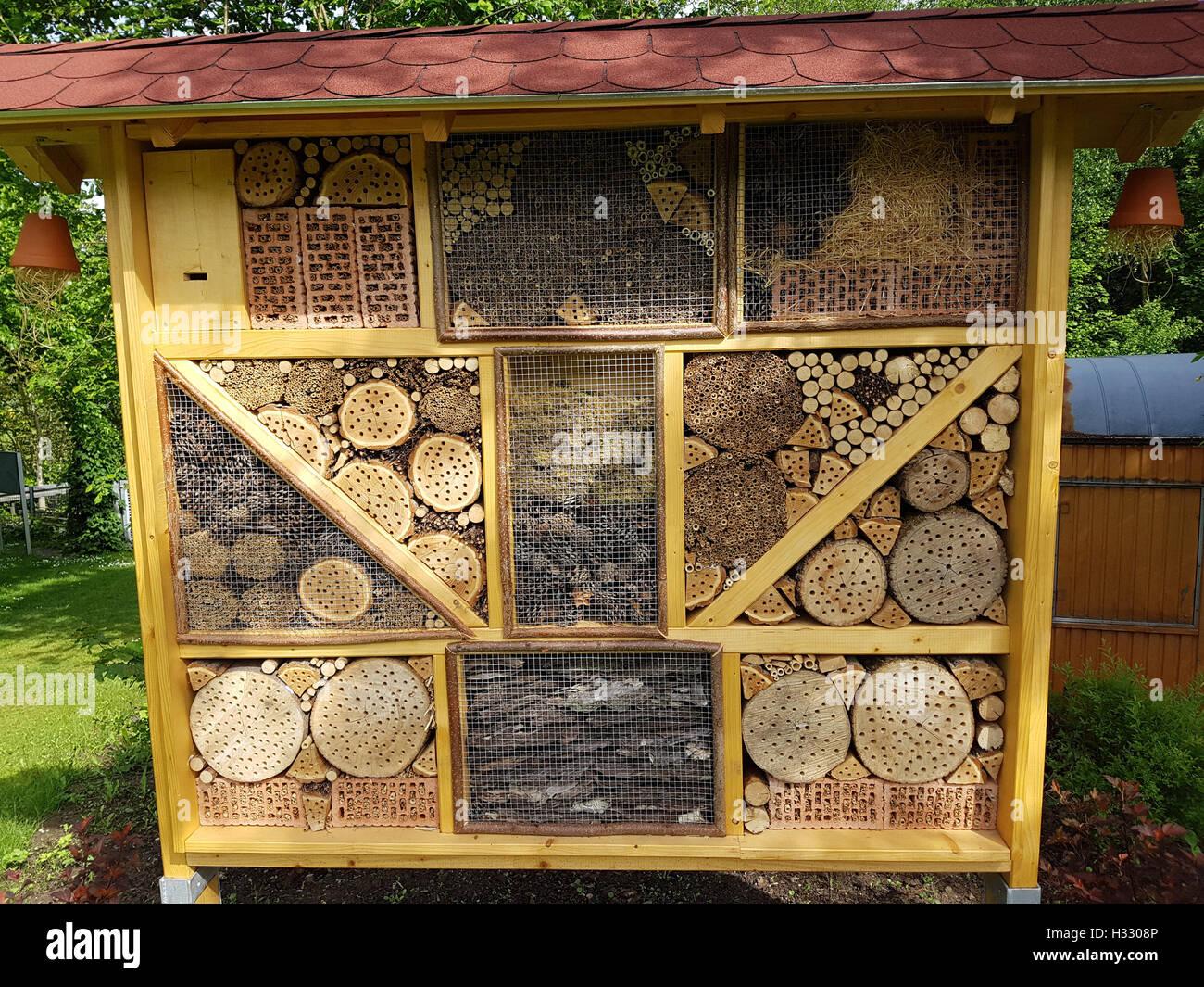 Insektenhotel, Insektenunterschlupf, Insekten - Stock Image
