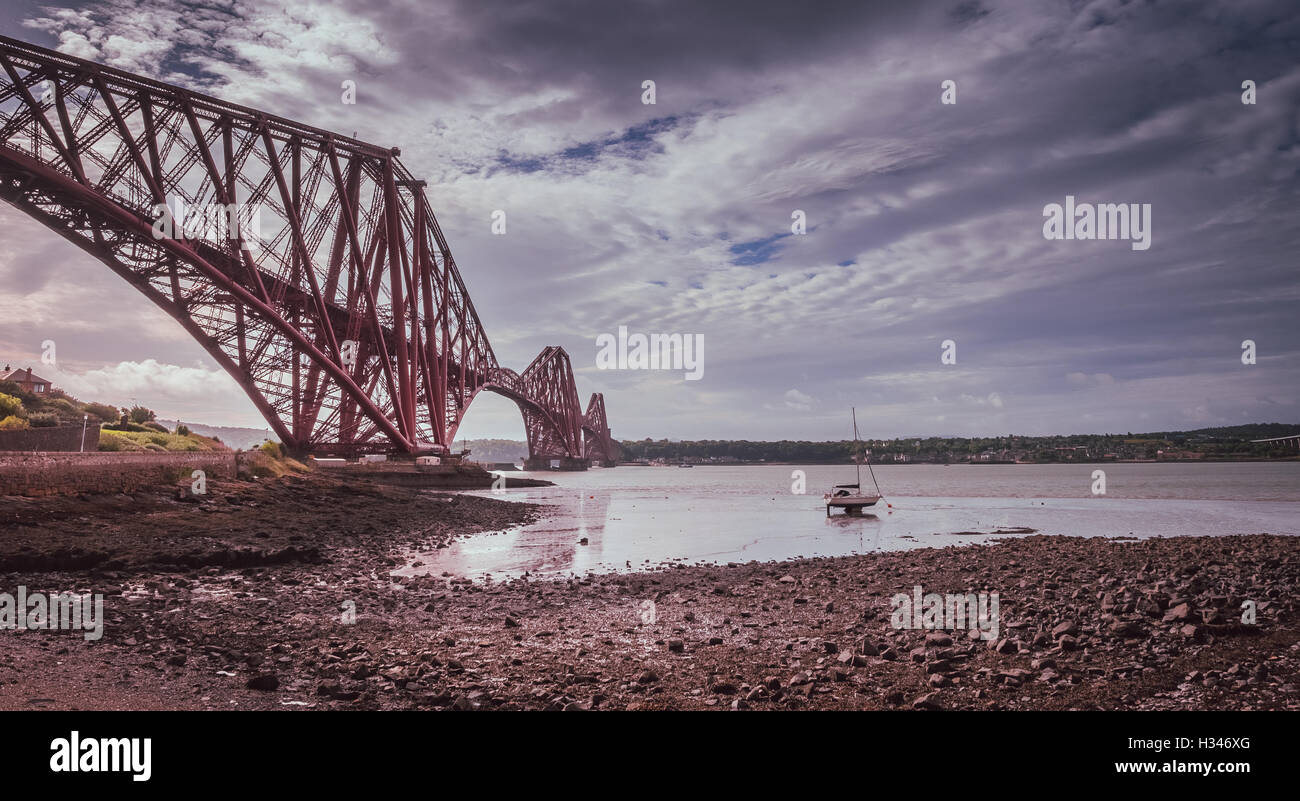 Forth Rail Bridge in Edinburgh, Scotland, connecting the towns of North and South Queensferry - Stock Image