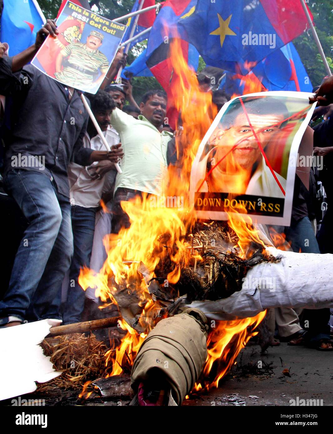 Supporters of several Tamil nationalist parties burn effigies stage protest against Kaveri water sharing issue Chennai - Stock Image