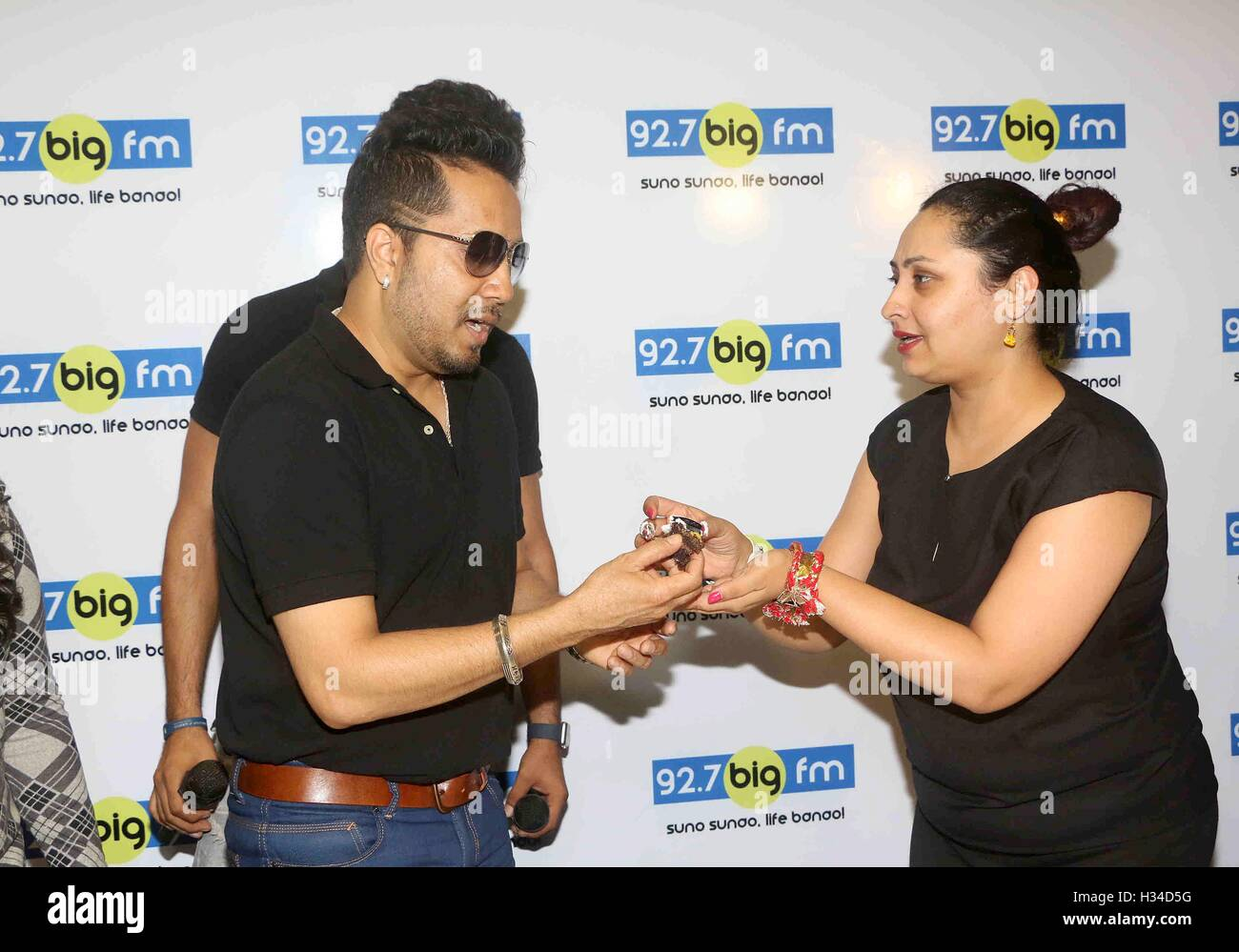 Bollywood singer Mika Singh during a meet and greet session at 92.7 BIG FM for his newly released single Chhorin - Stock Image