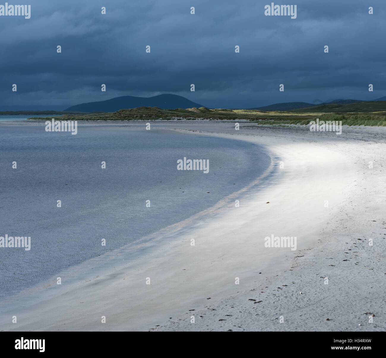 Stormy light on Traigh Lingeigh beach, North Uist, Outer Hebrides, Scotland - Stock Image