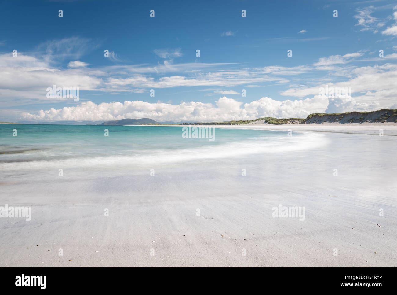 White sand and turquoise sea of West Beach, Berneray, Outer Hebrides, Western Isles, Scotland - Stock Image