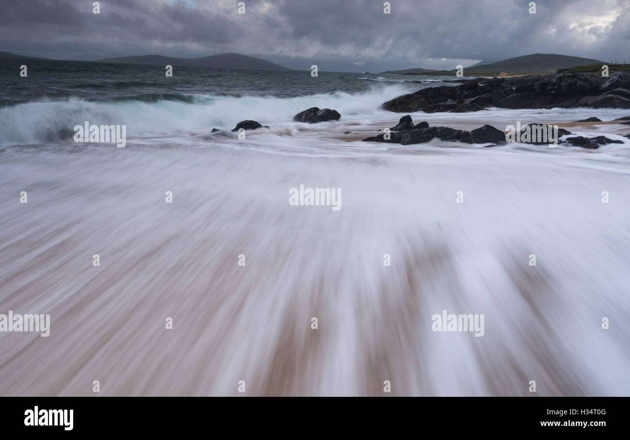 Flowing tide at Bagh Steinigidh, Isle of Harris, Outer Hebrides, Western Isles, Scotland - Stock Image