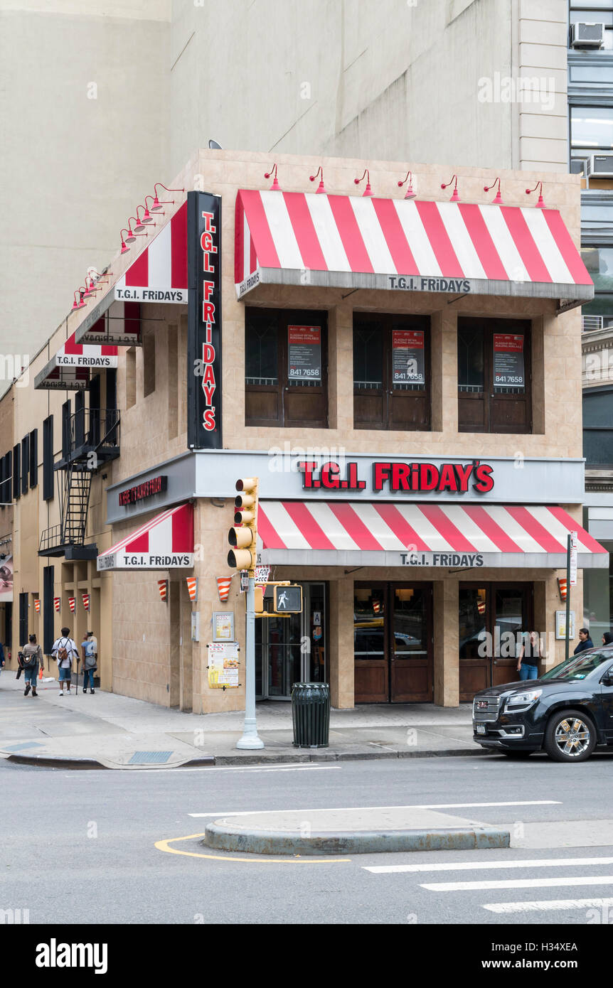Tgi Fridays Restaurant At Union Square New York With Logos And Red