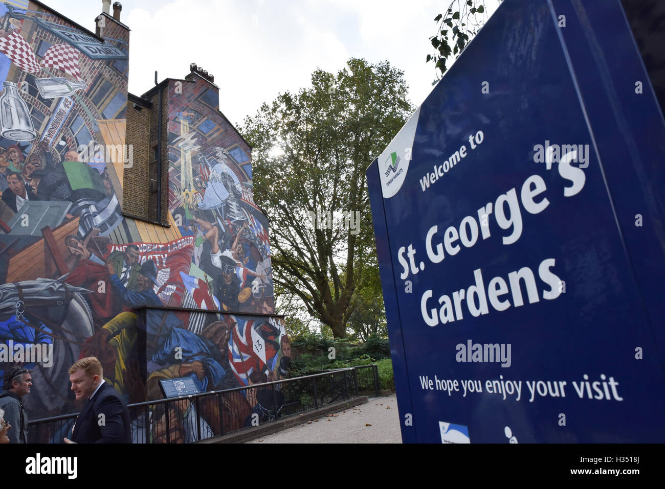 Cable Street, London, UK. 4th October 2016. Cable St 80th anniversary is commemorated. - Stock Image