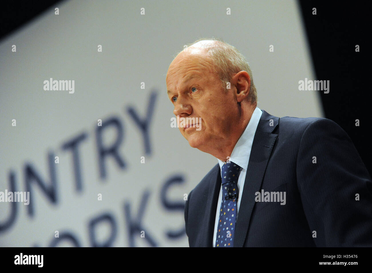 Birmingham, UK. 4th Oct, 2016. Damian Green, Secretary of State for work and Pensions delivers his speech to conference, - Stock Image