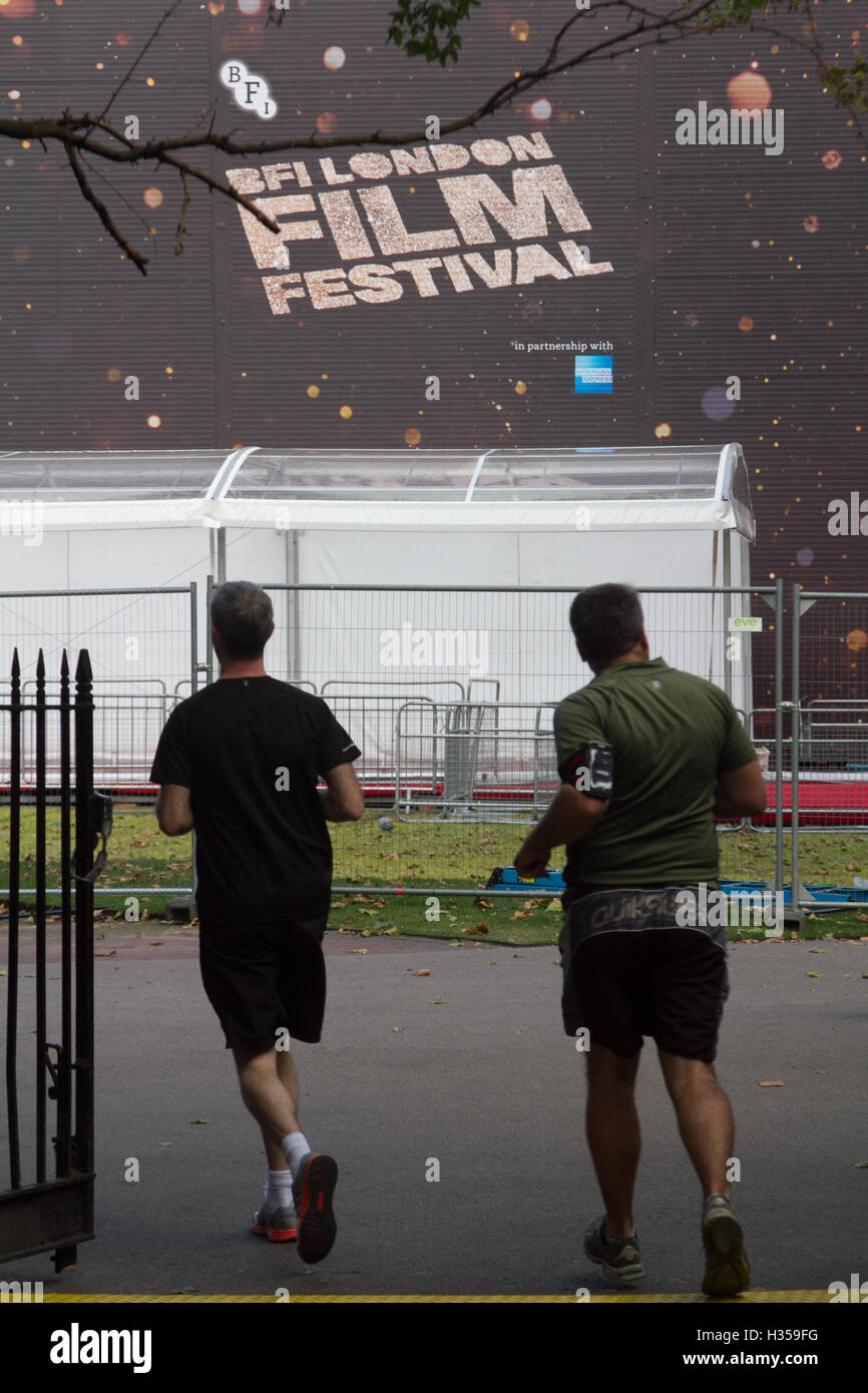 London , UK. 5th October 2016.  A giant 780 seater pop up cinema  is being erected for filmgoers at the 12 day festival - Stock Image