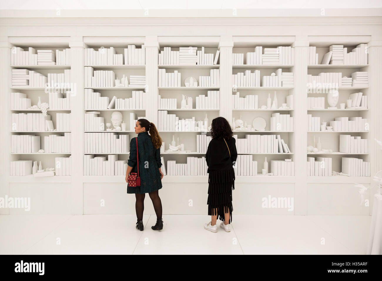London, UK. 5 October 2016. Artworks by Belgian artist Hans Op de Beeck. Press preview day of the 2016 Frieze Art - Stock Image