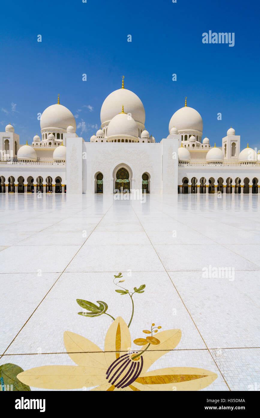 Sheikh Zayed Grand Mosque, Abu Dhabi, United Arab Emirates, Middle East - Stock Image