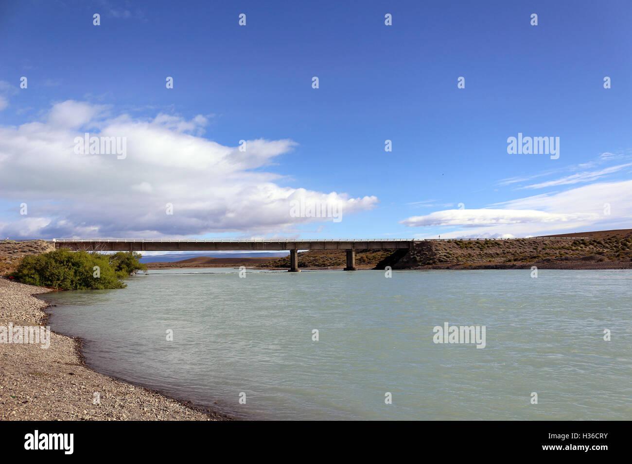 Route 40 bridge over the La Leóna river in Santa Cruz, Patagonia, Argentina - Stock Image