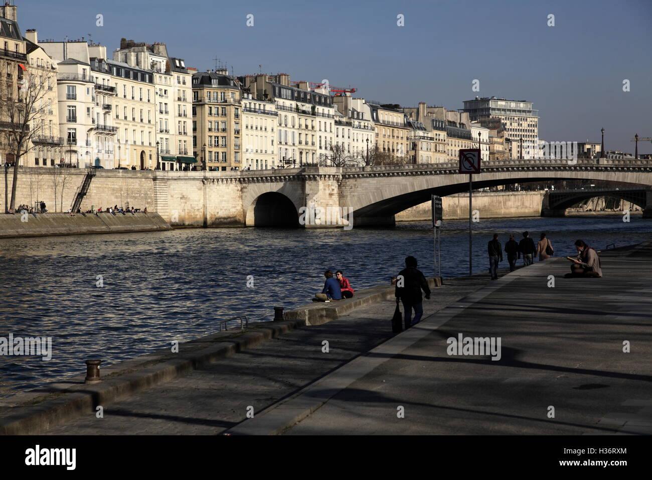River Seine with ile Saint-Louis (Saint-Louis Island) and Pont de la Tournelle (Tournelle Bridge).Paris,France - Stock Image