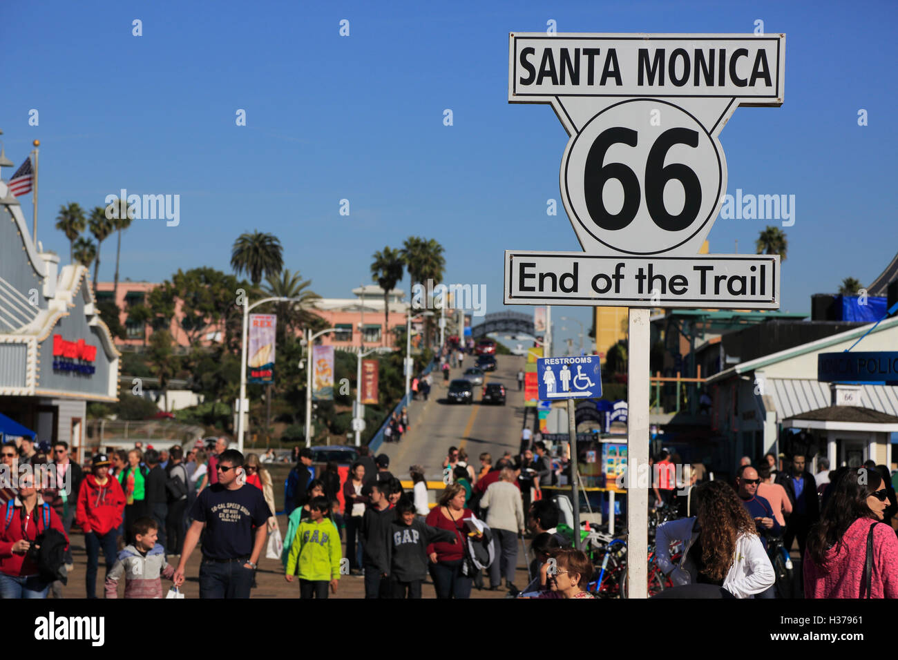 route 66 end of the trail at santa monica sign in santa monica stock