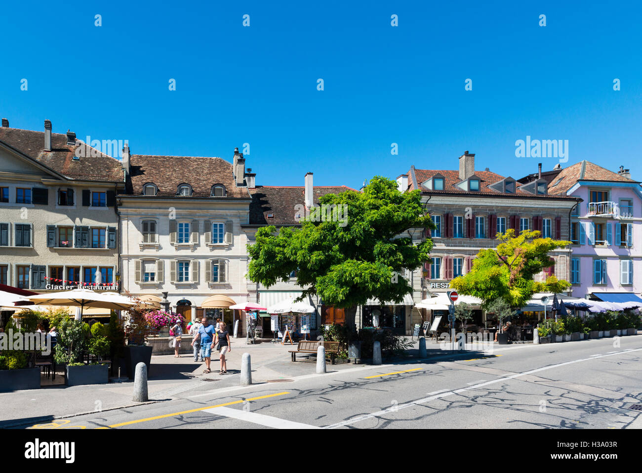 Pedestrian and street restaurants at a town square, Nyon, canton Vaud, Switzerland - Stock Image