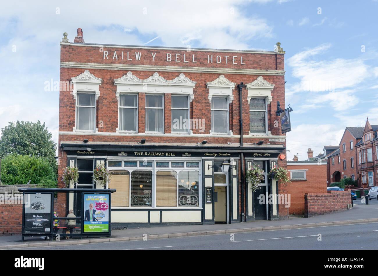 The Railway Bell Hotel opposite Kidderminster railway station - Stock Image