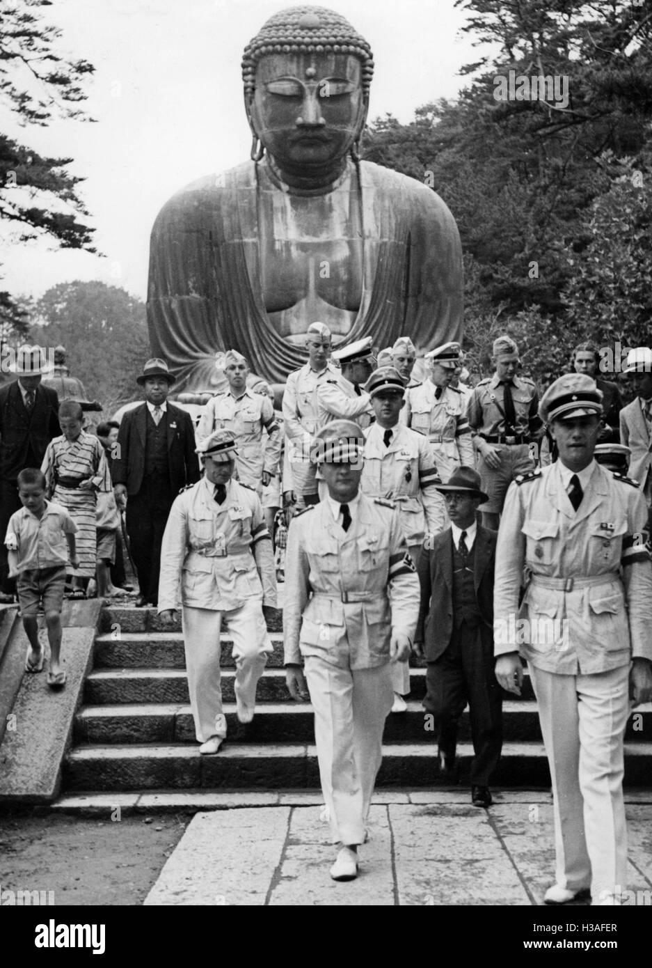 HJ delegation at Kotoku-in, 1940 - Stock Image