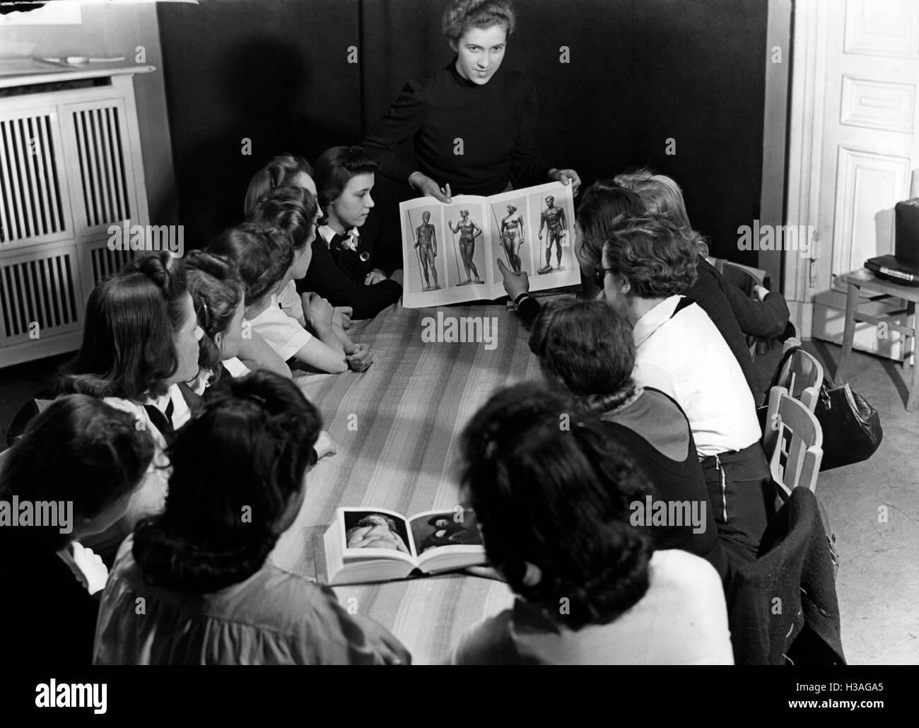 Social evening at the BDM-Werk Glaube und Schoenheit (BDM-Work, Faith and Beauty Society), Berlin 1941 - Stock Image