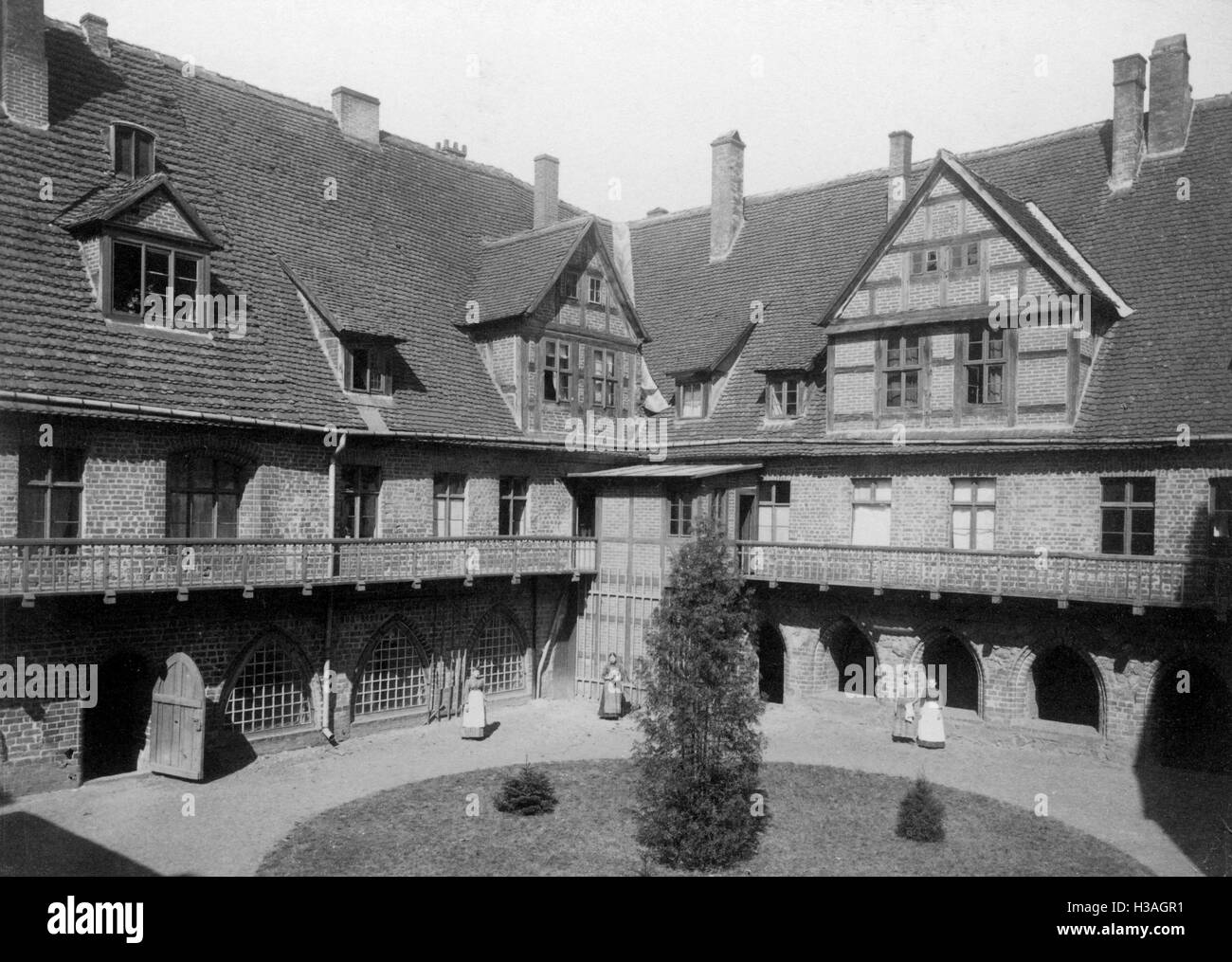 Rear front of the abbey in the Heiligengrabe Monastery, around the 1910s - Stock Image
