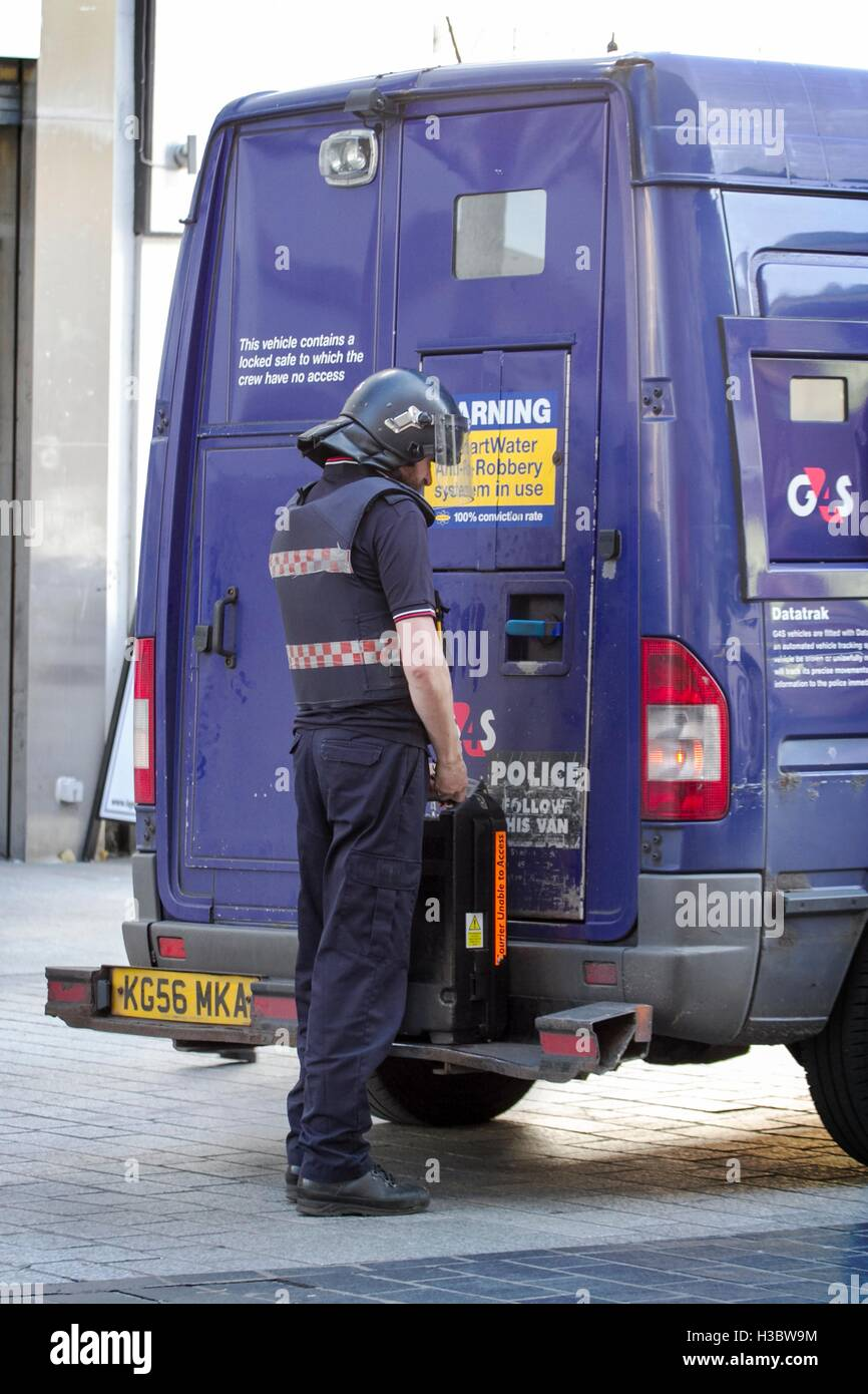 G4S cash collection services in Liverpool, Merseyside, UK Stock ...