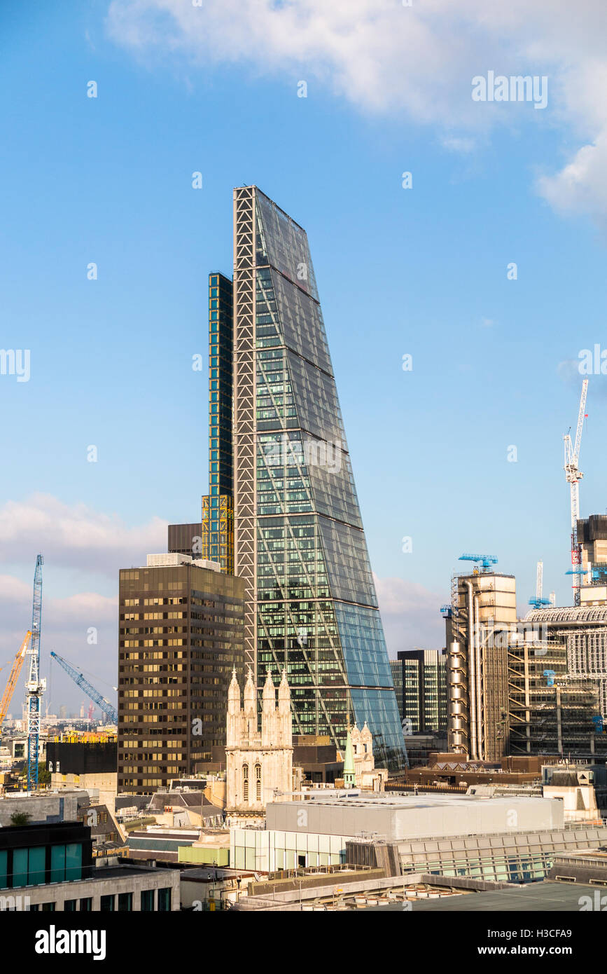 Commercial real estate property industry and financial sector: Leadenhall Building (Cheesegrater) London EC3 dwarfing Stock Photo