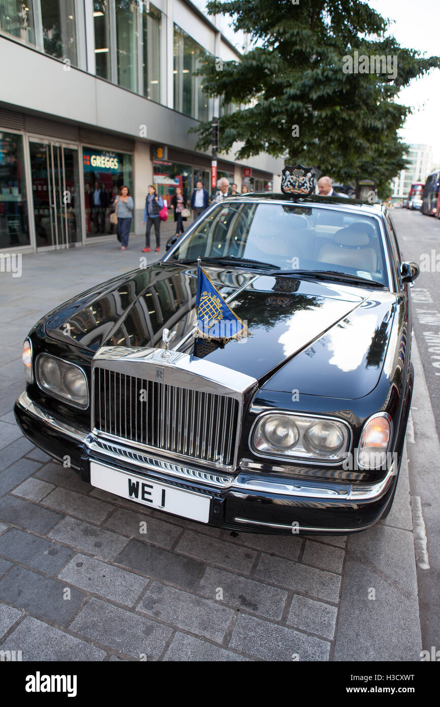 WE1 (Westminster Mayoral Car) on 2000 Rolls Royce Park Ward 5.4 Auto (Front) - Stock Image