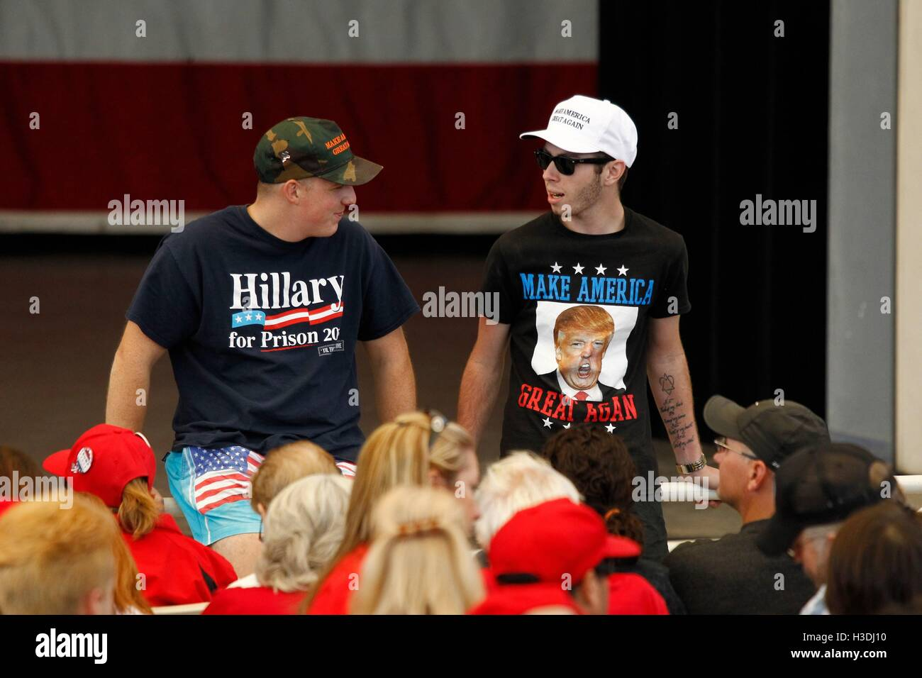 Henderson, NV, USA. 5th Oct, 2016. Donald Trump supporters wearing a 'Hillary for Prison' and 'Make - Stock Image