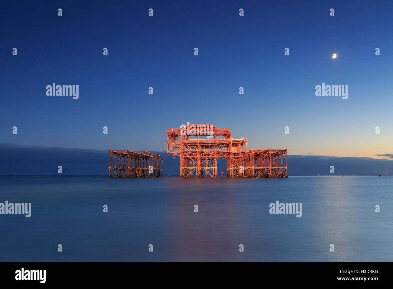 Brighton, East Sussex, UK. 06 October 2016. The 150th Anniversary of the Opening of the West Pier. The ruins of - Stock Image