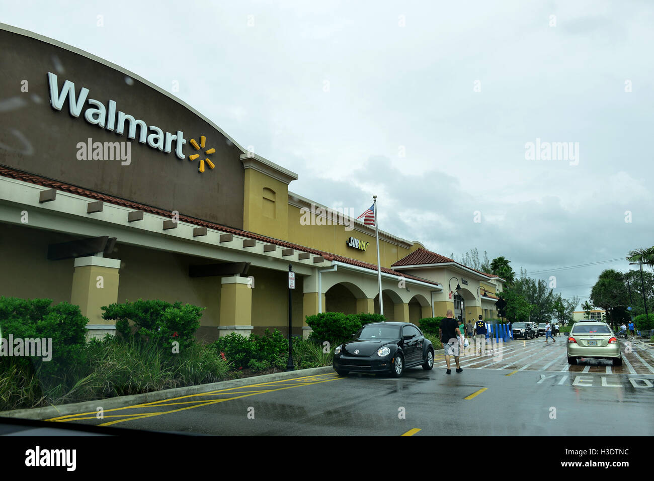 MIRAMAR, FL - OCTOBER 06:Customer arriving at Walmart as Hurricane Matthew approaches the area on October 6, 2015 Stock Photo