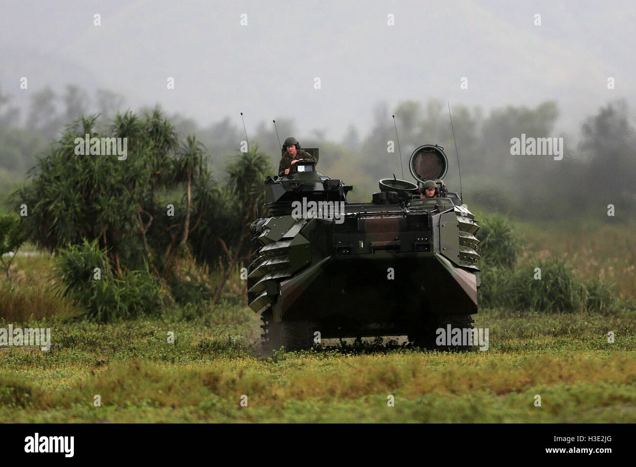 Zambales, Philippines. 7th Oct, 2016. U.S. Marines on board an amphibious assault vehicle participate in the Mechanized Stock Photo
