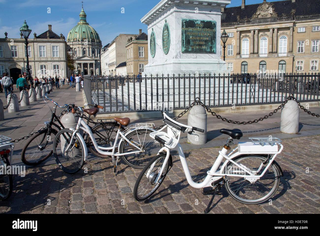 Bikes in the Amalienborg Palace, Copenhagen, Denmark. - Stock Image