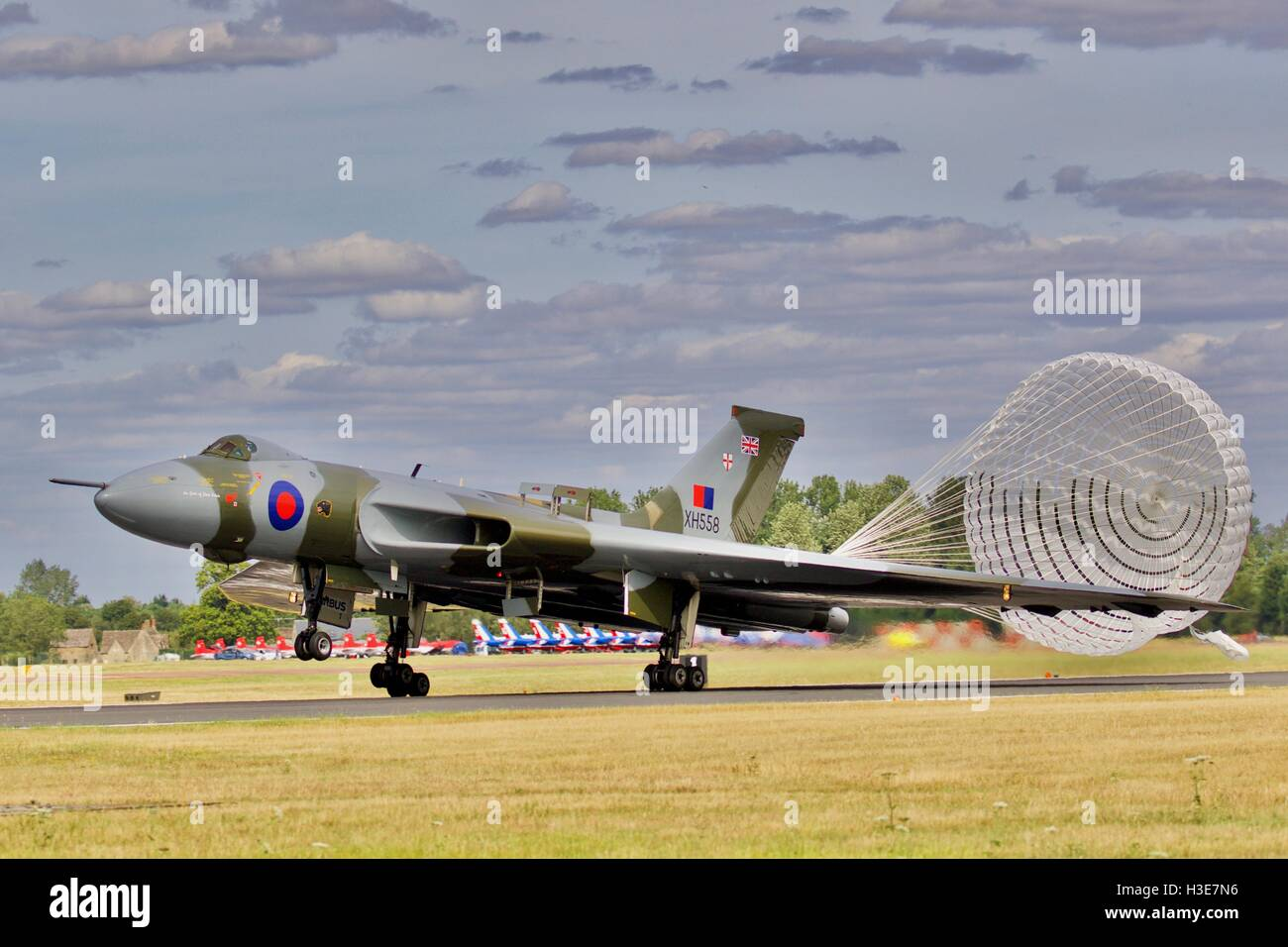 Avro Vulcan B2 bomber with its deceleration parachute deployed - Stock Image