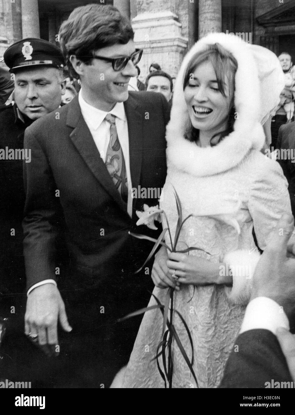TALITHA POL marries John Paul Getty Jr at the Capital Hall in Rome on 10 December 1966 - Stock Image