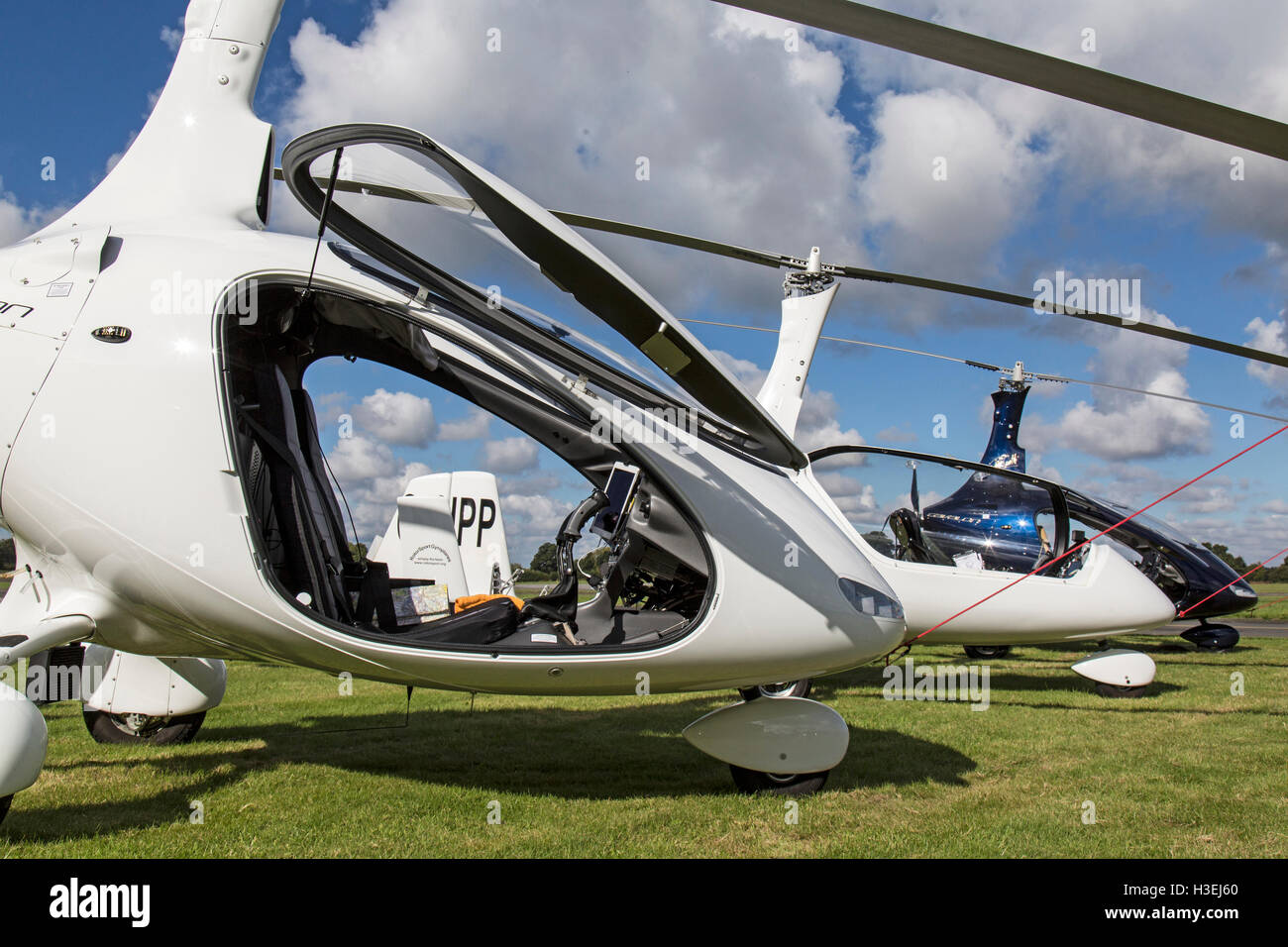 Rotorsport Cavalon Gyrocopter with two other gyrocopters