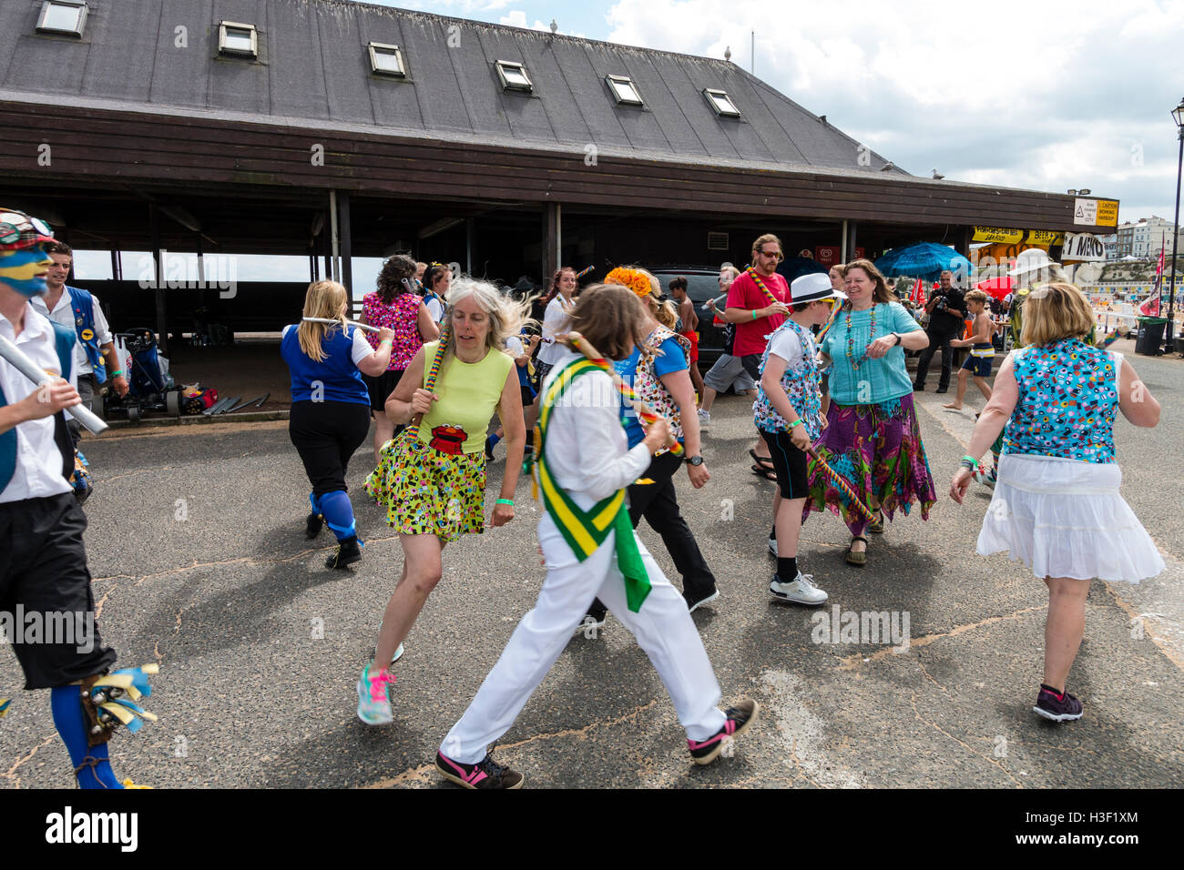 Broadstairs Folk Week Festival. Royal Liberty Morris-men and various others dancing in Cotswold Morris style on - Stock Image