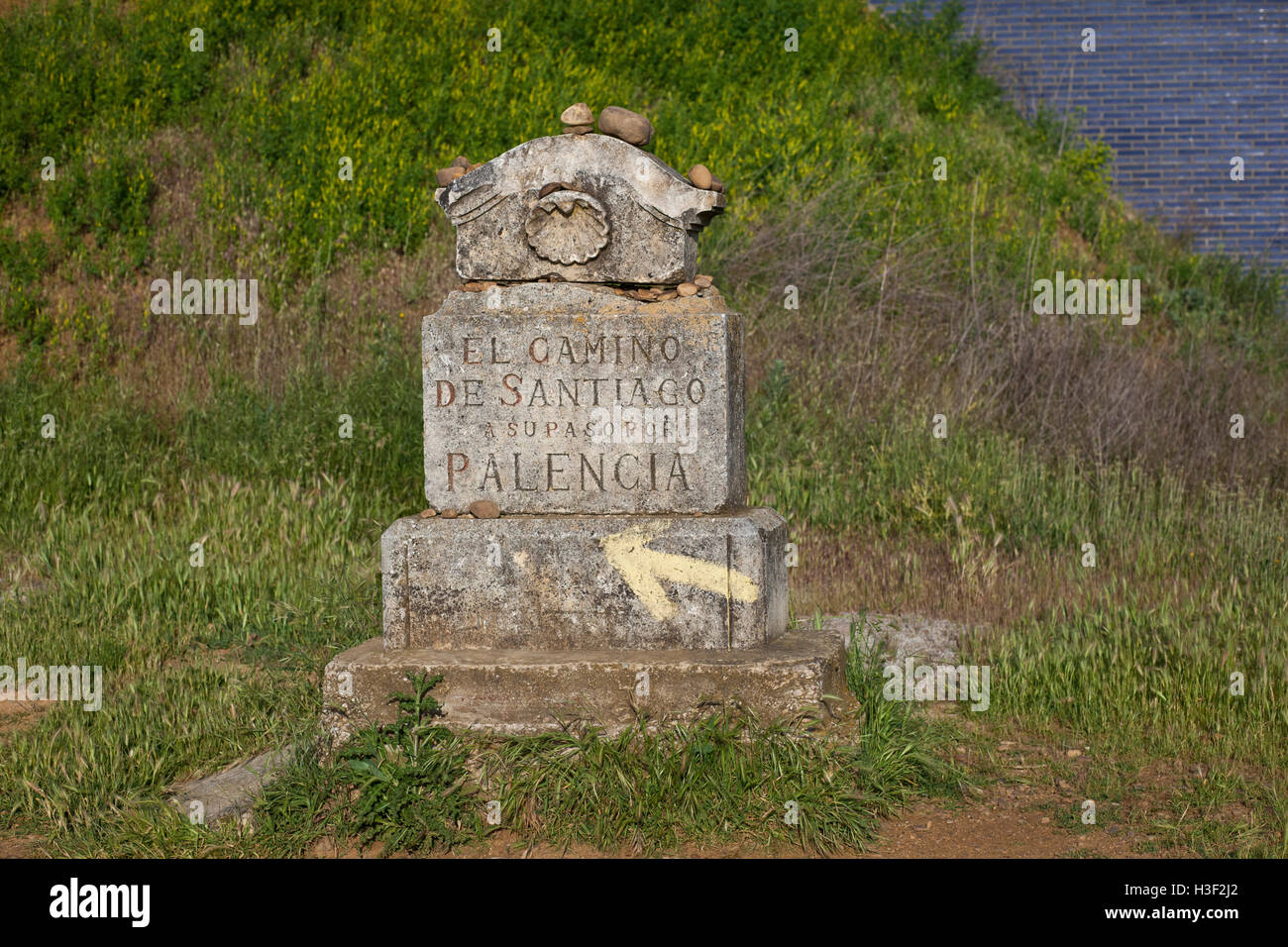 A stone marker signifies the start of the province of Palencia  along the Camino de Santiago, route Frances - Stock Image