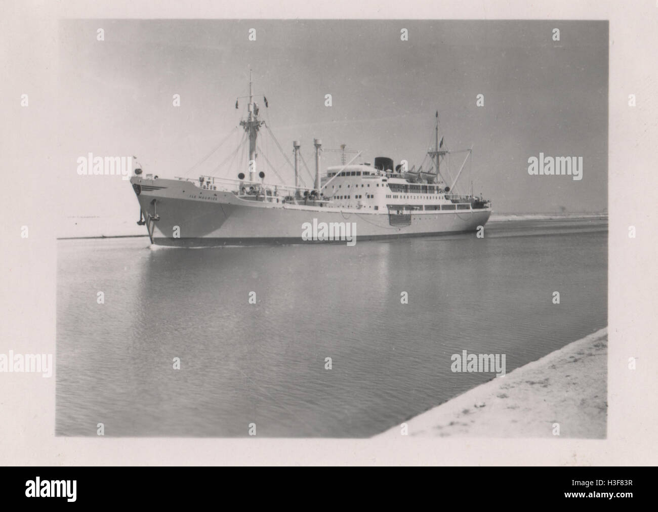 The cargo ship Ile Maurice transiting the Suez Canal in the area of the Great Bitter Lake Ismailia in 1952 in the - Stock Image