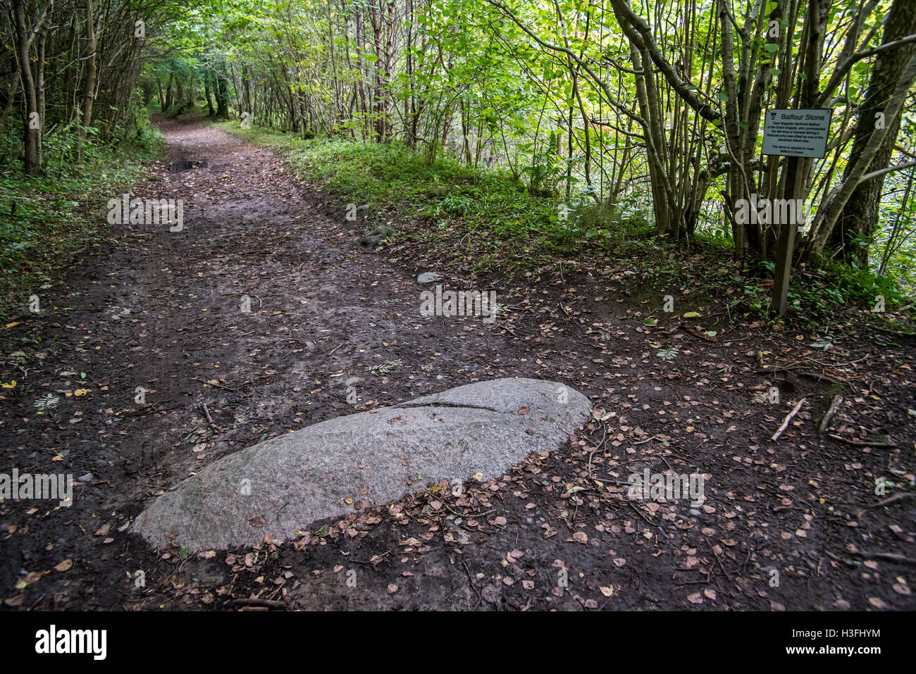 Balfour Stone marking the grave of Brigadier Barthold Balfour on path at the Pass of Killiecrankie in Glen Garry, - Stock Image