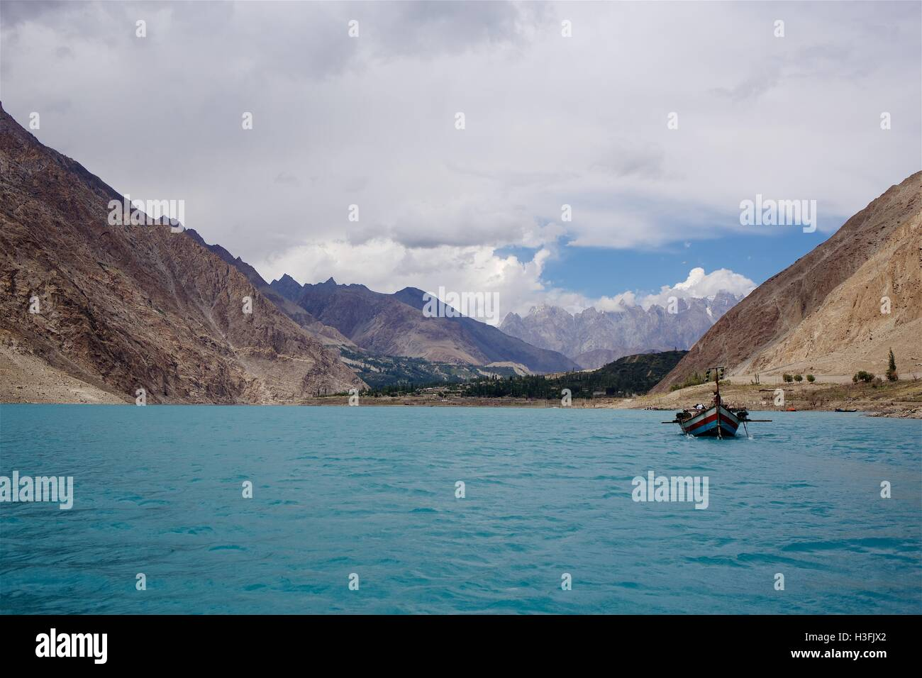 Attabad Lake Pakitan - Stock Image